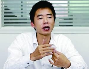 一直以来,魅族CEO黄章的经典头像,就这么一张。