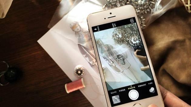 iPhone 和 Burberry